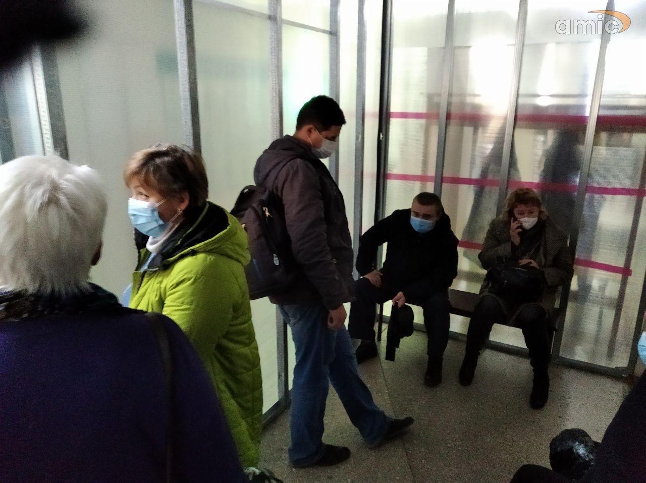 Выяснилось, куда исчезла очередь в барнаульскую поликлинику во время визита губернатора